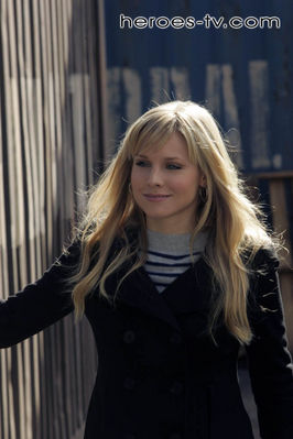 Kristen Bell joins the cast as Elle